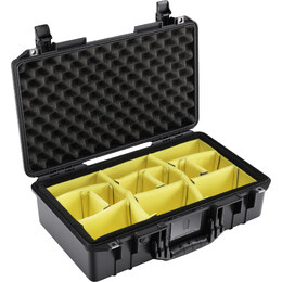Pelican 1525 Air Air w/ Dividers Black