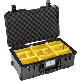 Pelican 1535 Air w/ Dividers Black