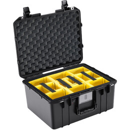 Pelican 1557 Air w/ Dividers Black